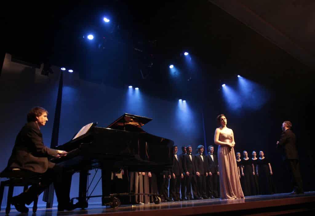 Mireille-Asselin-et-Chorale-DLS.jpg